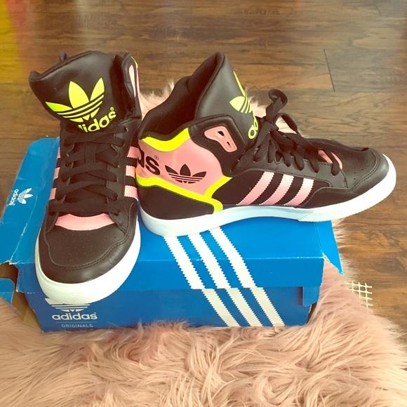 Adidas zapatos EUC 85 High Tops poshmark